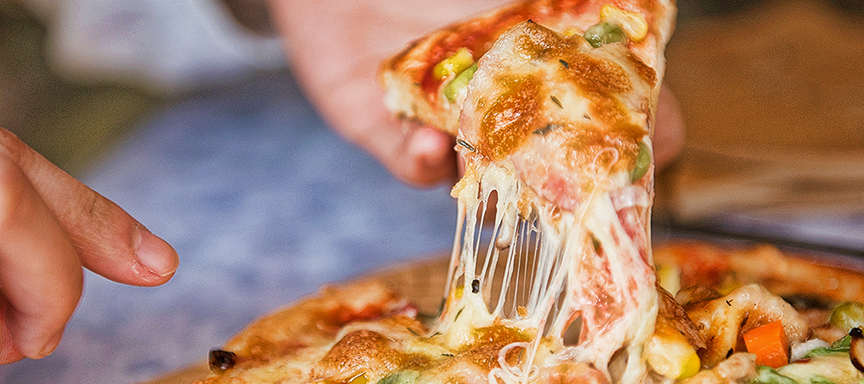 Top 5 Best Stretchy Cheeses For A Pizza Pizza Oven