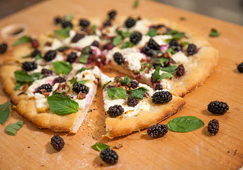 mulberry goat cheese pizza